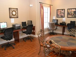 Business centre to keep in touch with the office... - Bella Piazza condo vacation rental photo