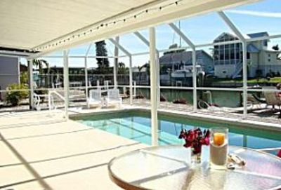 Isles of Capri house rental - The swimming pool