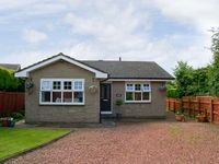SERENITY, family friendly, with a garden in Embleton, Ref 3523