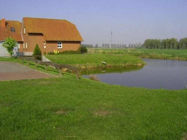 Lovely cottage with sauna on the canal in Grimersum in Greetsiel