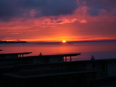 Sechelt house rental - Gorgeous Sunsets!!