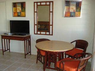 Rockley apartment photo - Lounge, Flat Panel TV with Cable (Internet in room)