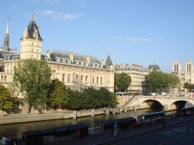 1 Bedroom Riverfront Apartment with View of Notre Dame