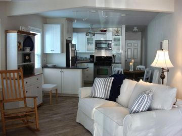 Seal Beach cottage rental - View from entry towards kitchen