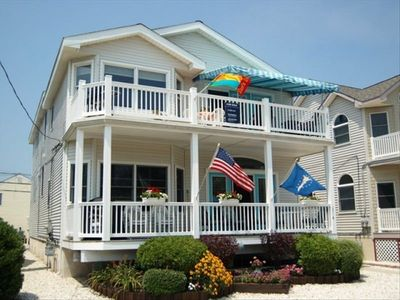 Refreshed, 2nd floor, 2 blocks to beach/boardwalk on Gold Coast  of Ocean City.
