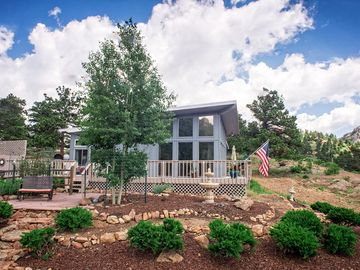 Estes Park house rental - Estes Valley Cottage is ready for your Rocky Mountain vacation.