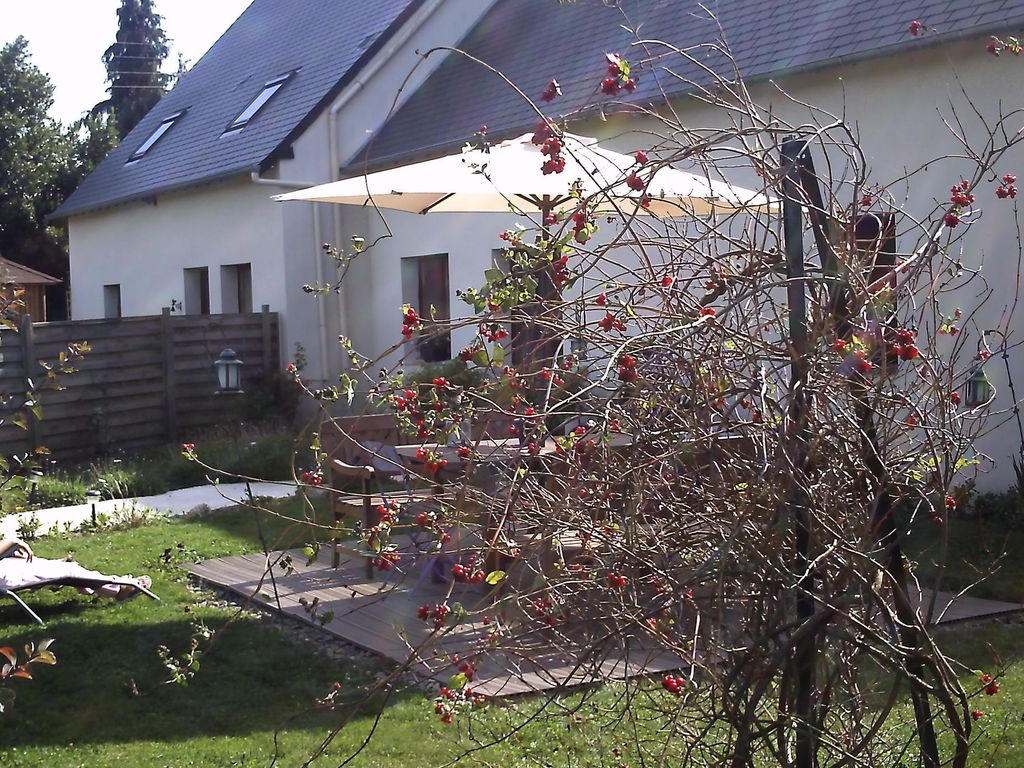Accommodation near the beach, 110 square meters, with garden