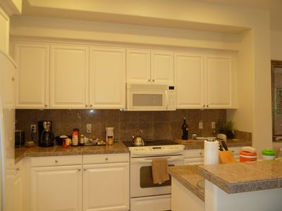Ko Olina townhome rental - Kitchen