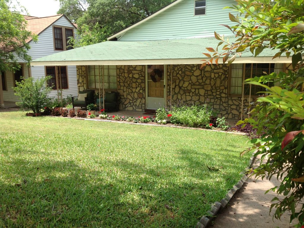Lovely Home in the Perfect Location-ACL, F1, SXSW and more!