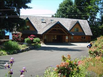 Lake Cowichan lodge rental