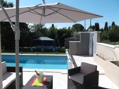 conditioned charming house between Provence and the Camargue with heated pool