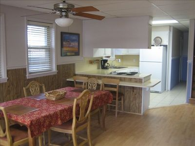 Lake Norman house rental - Kitchen and Dining - Open and Inviting