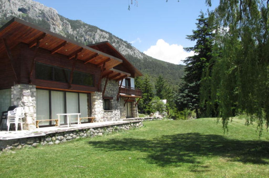 Mountain chalet in the heart of Mercantour at the foot of La Colmiane resort
