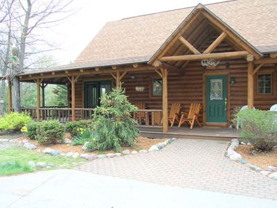 River Woods Lodge-Custom built Log Home