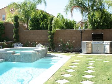 Thousand Palms house rental - Our awesome backyard and pool, try out the JennAir BBQ!!