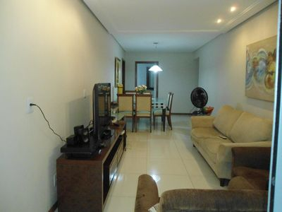 Apartment 3 qts with 1 suite, balcony, 1 block from Praia da Costa