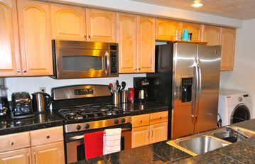 Lake Forest townhome rental - Fully equipped and remodeled Kitchen w/ Granite & stainless steel appliances.