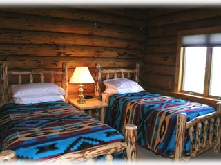 Bozeman house photo - Twin bedroom - One of the main level bedrooms with two twin beds