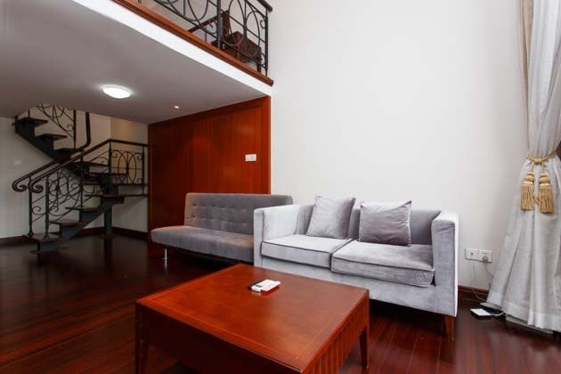 Luxury apartment 100 m from subway