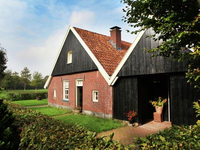 "Home in a former ""Bakspieker"", with rural location near Enschede"