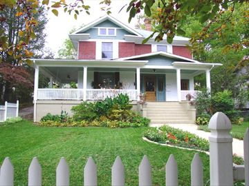 Asheville house rental - GREEN GABLES OF ASHEVILLE Homestay - Walk to Downtown; WIFI High Speed Internet