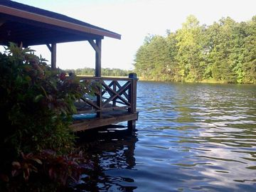 Jamestown cottage rental - The Boat Dock