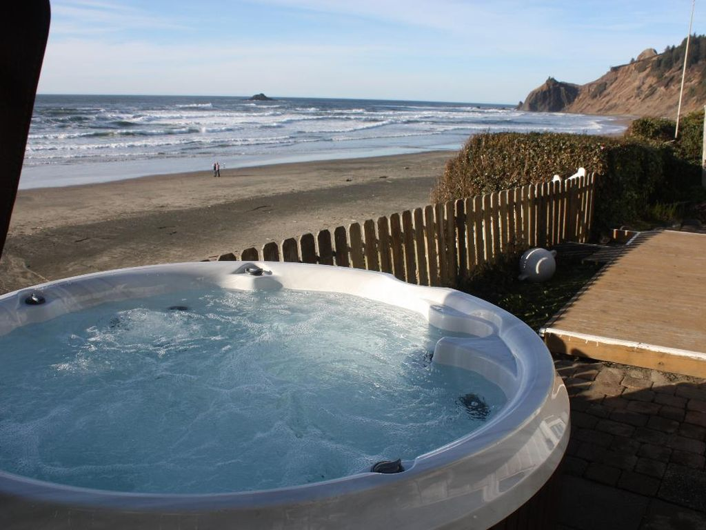 Shoreline Chateau Oceanfront W Hot Tub Open Vrbo