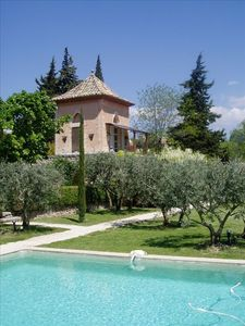GORDES - The Tower and the private Pool in the garden