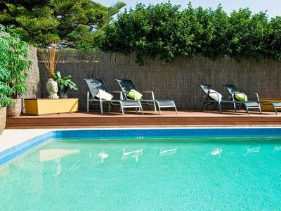 Broadbeach apartment rental - solar heated pool