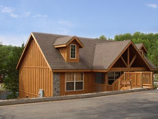 Branson cabin photo - 2-Bedroom Lodge right on the shore of Fox Hollow Lake - Stocked. Great Fishing!