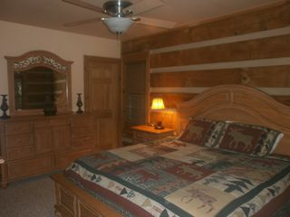 Boone cabin photo - One of two master suites on the main floor has all brand new Broyhill furniture