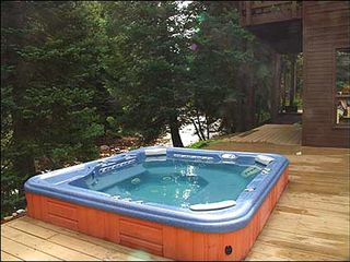 Vail townhome photo - Large Private Outdoor Hot Tub Right on the River!