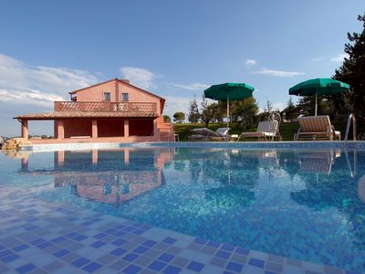 La Cantina Villa for rent with swimming pool in Montepulciano