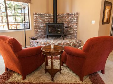 Ridgewood house rental - Gas fireplace; real flame with none of the hassle. Grab a book and nestle in.