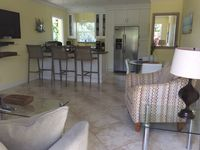 Spring & Summer Book Now! Luxury Home steps to Ocean 2/2 Free Wifi & Parking