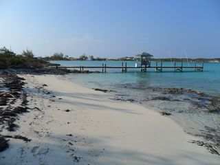 Staniel Cay cottage photo - Mid tide looking toward the dock to the North.