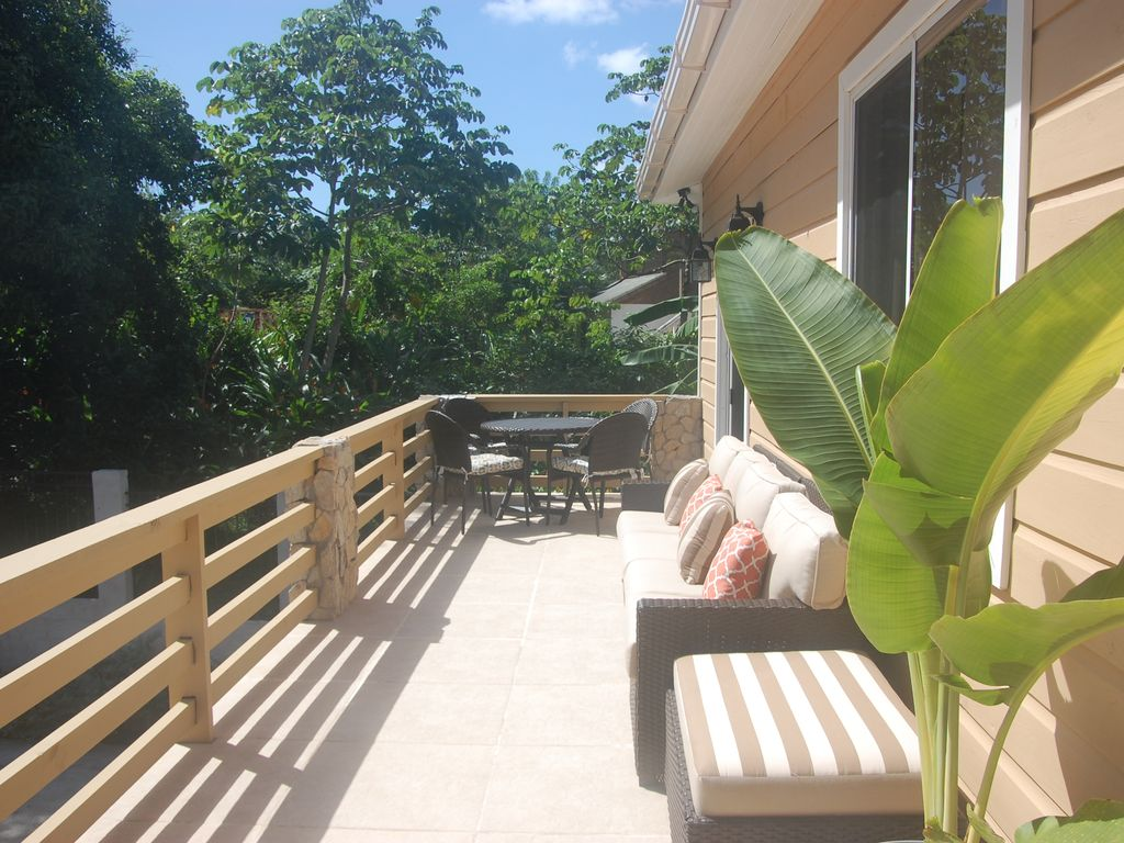 Rock Point Villas Sandy Bay Honduras Serenity 1 Br