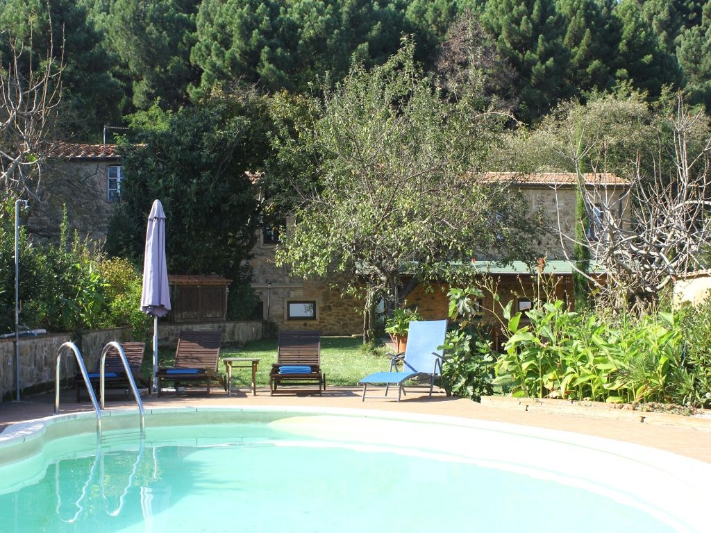 Villa campo pisa florence charming vacation villa with for Garden hills pool hours