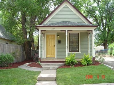cozy downtown mini victorian with garage low weekly and