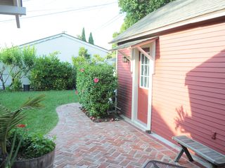 Long Beach studio vacation rental photo