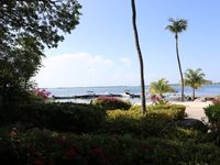 Beautifuly Updated Spacious Condo - Expansive Ocean View!