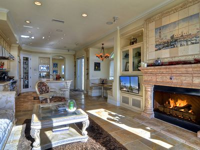 Huntington Beach villa rental - Living Room Fireplace & Big screen TV