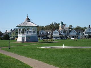 Ocean Park, Oak Bluffs. 3-minute walk. - Oak Bluffs house vacation rental photo