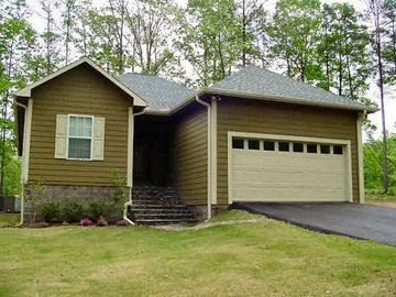 Pickwick Lake house rental - Charming Home backs up to Shiloh Falls Golf Course. 3 Bedrooms, 2 full baths