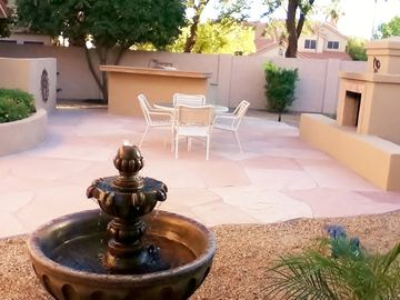 Scottsdale house rental - New water feature and view of large private Flagstone Patio.