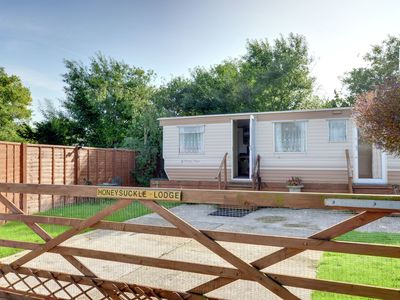 Comfortable lodge home in owners garden - only a short walk to the beach.
