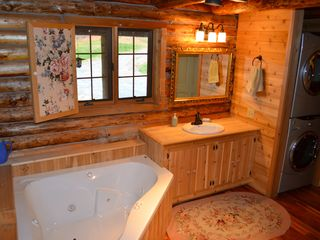 Lake Placid cabin photo - Jacuzzi