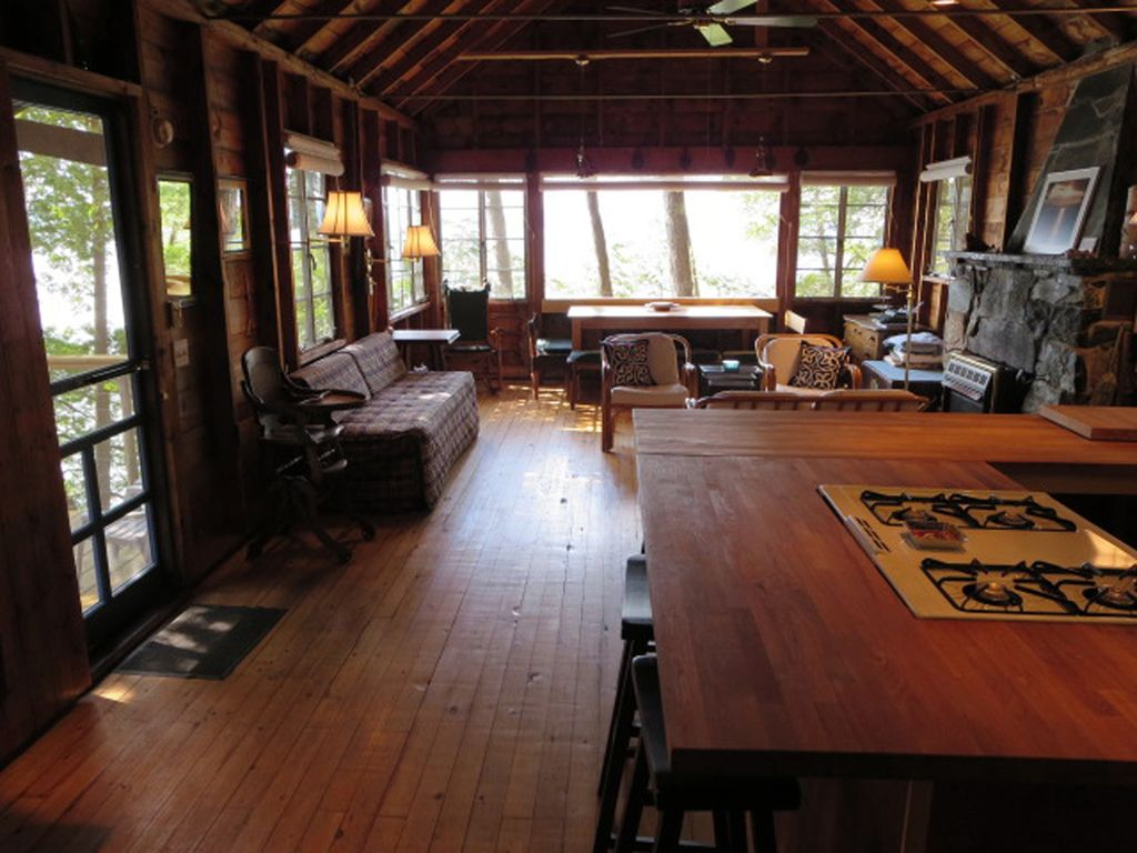 Rustic roomy lake champlain cabin with beach vrbo for Lake champlain cabins and cottages
