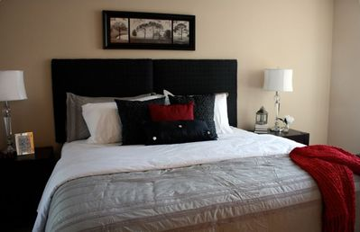 Master Bedroom - King Bed with Luxurious Linens & Pillow Top Mattress