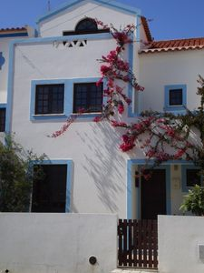 Villa with 3 independent apartments very close to the beach and center Milfontes